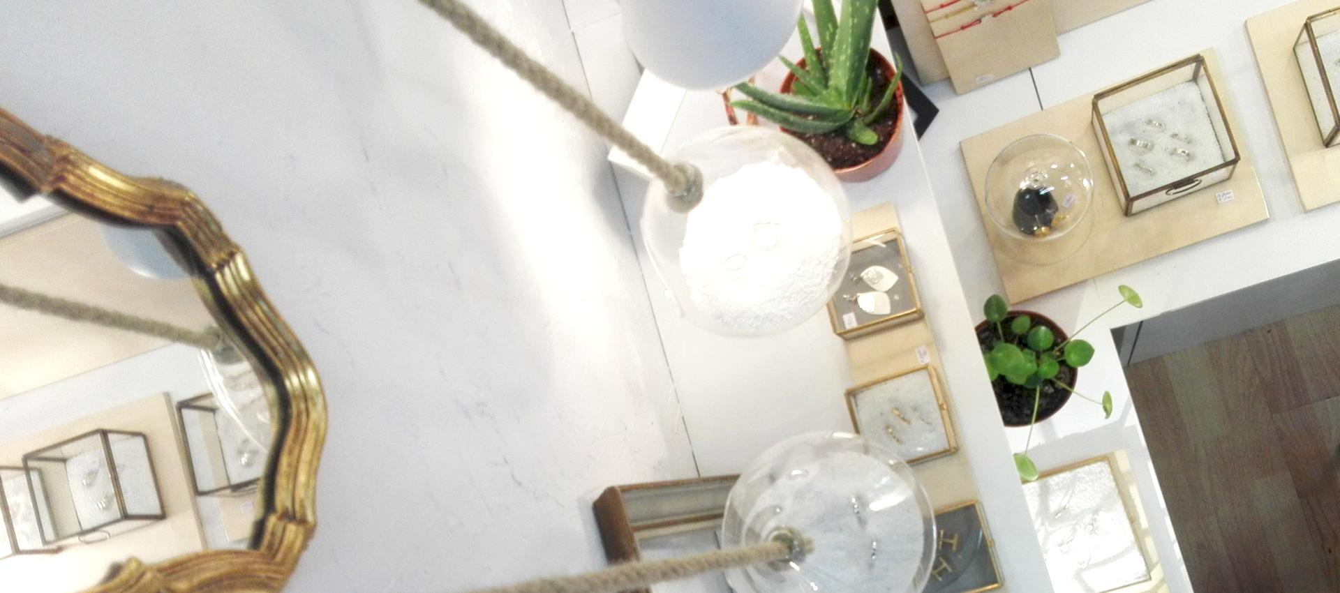 Bijoux créateur lyon, créateur bijoux lyon, bijoux lyon, artisan bijoutier lyon, alliance lyon, bijoux mariage lyon, alliance made in france, création bijou lyon, bijouterie croix rousse, bijouterie lyon 1, joaillier lyon, bijoux contemporain, bijoux lyon, bijoux argent lyon