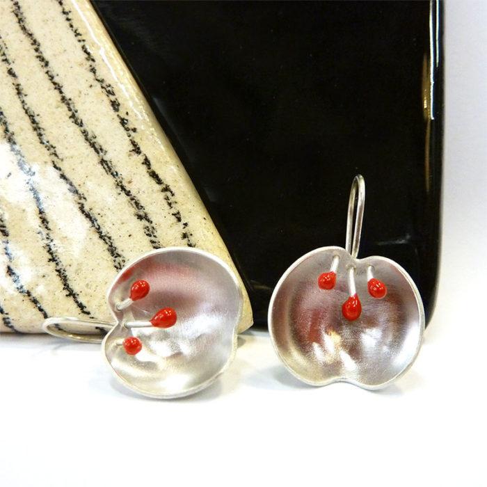 Boucles d'oreilles dormeuses en argent et résine artisan bijoutier lyon